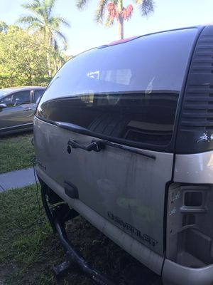 2006 Chevy Tahoe parts for Sale in Miramar, FL