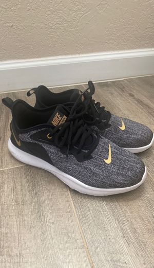 Nike women's shoes 7 1/2 for Sale in El Paso, TX