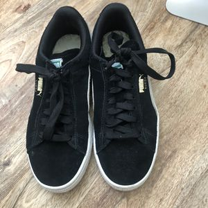 Puma black suede sneakers for Sale in Irvine, CA