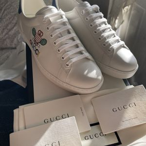 Gucci Ace Tennis Shoe for Sale in Maywood, CA