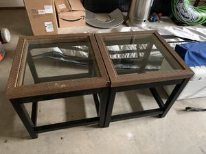 End tables with glass insert for Sale in Issaquah, WA