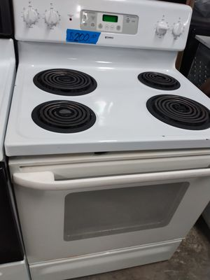 Kenmore electric coils stove in excellent condition w/4 months warranty for Sale in Baltimore, MD
