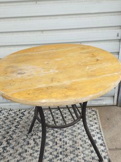 Beautiful Wood Table Side Drop Down for Sale in Fresno,  CA