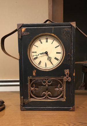 Antique Clock -battery powered for Sale in Wenatchee, WA