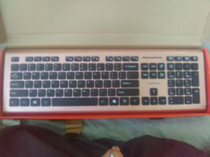 Black web wireless keyboard for Sale in Tupelo, MS