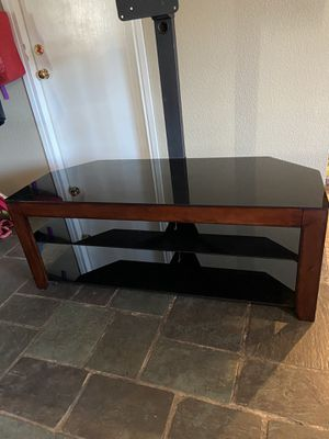 Swinging media stand for Sale in Tacoma, WA