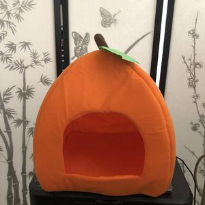 Pumpkin cat bed for Sale in Pasadena, CA