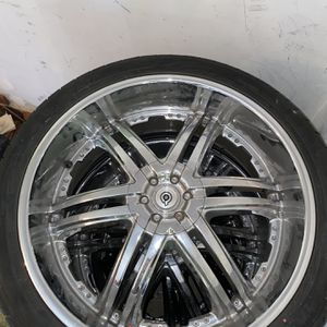 Rims And Tires 305/35R24 112V for Sale in SeaTac, WA