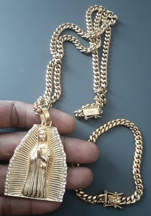 14 karat gold plated Cuban link chain bracelet and pendant set....... for Sale in Hollywood, FL