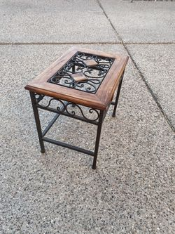 Small Flower Pot Stand for Sale in Tucson,  AZ