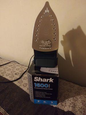 Shark professional iron for Sale in Cincinnati, OH