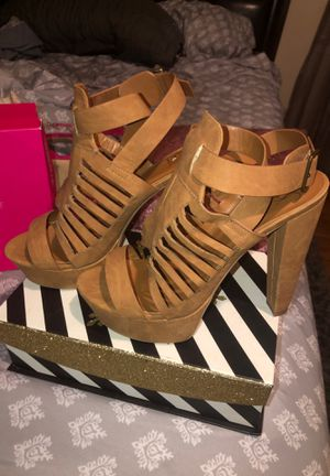 Tan heels !!! for Sale in Lancaster, TX