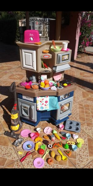 Step 2 toy kitchen for Sale in El Monte, CA