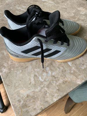 Adidas Predator Indoor soccer shoes Kids Sz 2.5 for Sale in Plantation, FL