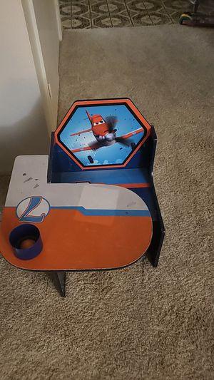 Kid desk for Sale in Fresno, CA