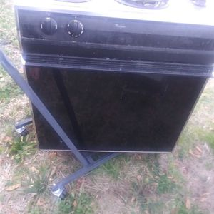 Whirlpool Drop In Stove. Price Is Firm. {contact info removed} for Sale in Lexington, SC