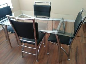 4 Chair Dinning Table for Sale in Kissimmee, FL