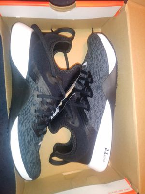 Woman shoes nike 8.5 new for Sale in Hayward, CA