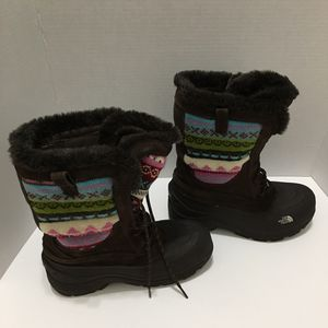 The North Face Girls winter boots sz 6 for Sale in Hialeah, FL