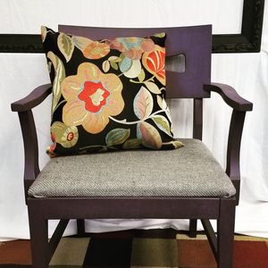 Purple accent chair for Sale in Quincy, IL