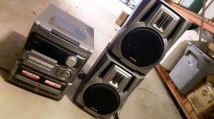 Stereo receiver with speakers for Sale in North Ridgeville, OH