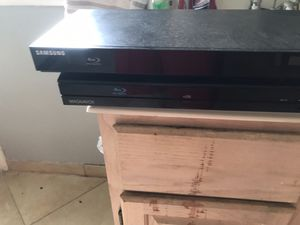 Two Blu-ray DVD players works great when does Samsung the other one is a Magnavox for Sale in Garland, TX