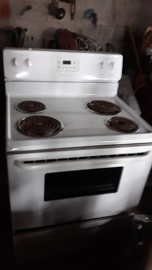 New fridgidaire electric stove for Sale in Columbus, OH