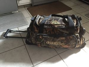 Gander Mountain Rolling Duffle Bag for Sale in Columbus, OH