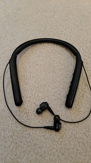 Sony headphone neckband active noise cancelling WI1000X for Sale in San Jose, CA