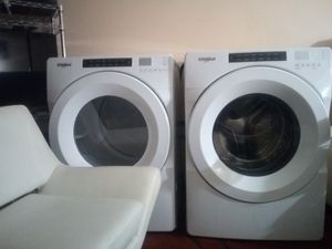 Whirlpool front loader washer/ dryer stackable modern appliances for Sale in Moreno Valley, CA
