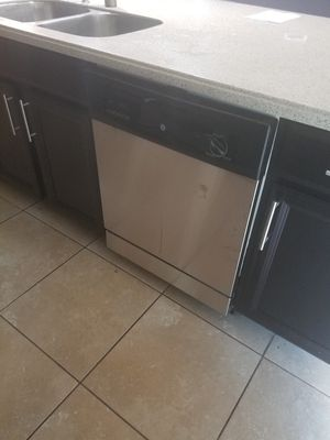 GE STAINLESS STEEL DISHWASHER for Sale in St. Augustine, FL