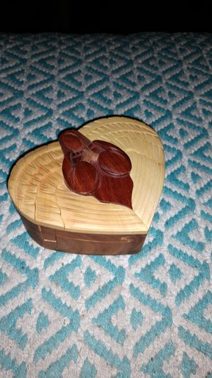 Hand carved puzzle jewelry box. Great condition! for Sale in Bullard, TX