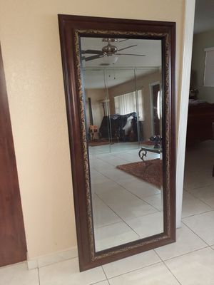Over sized wall mirror. for Sale in Hialeah, FL