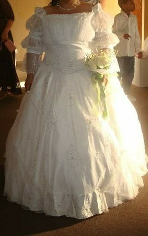 White wedding dress for Sale in Spring Hill, FL