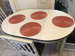Dining table with 2 leafs and 4 chairs for Sale in St. Petersburg, FL