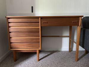 Mid century desk for Sale in Farmington Hills, MI