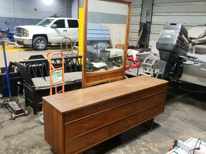 Mid Century Modern Dresser and Mirror 9 drawer for Sale in Arnold, MO