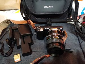 Sony NEX-5n 16.1MP Mirrorless Digital Camera with Accessories! for Sale in Secaucus, NJ