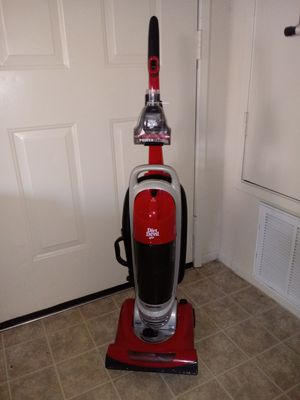 Dirt Devil Featherlite Ultra Compact Bagless Upright Vacuum, UD40285 for Sale in Palmdale, CA