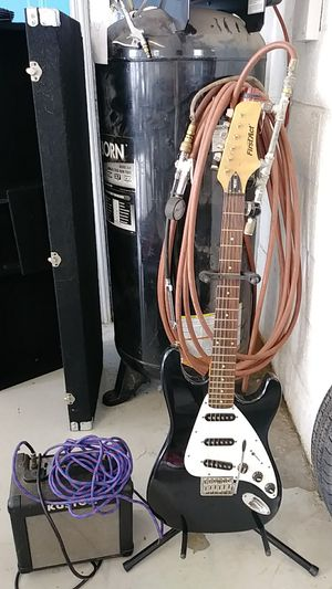 First act electric guitar w amp for Sale in Curtice, OH