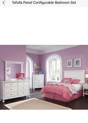Twin size bedroom set with 55in Samsung smart tv for Sale in WILOUGHBY HLS, OH