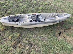 Pelican 10 ft CHALLENGER 100 Angler Fishing Kayak for Sale in Venus, TX