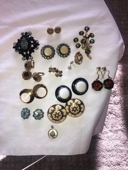 Earrings & brooches for Sale in Bailey,  CO