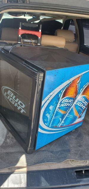 Mini bud light refrigerator for Sale in Henderson, NV