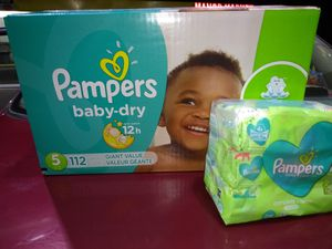 Pampers size 5. 112 diapers and wipes for Sale in Bothell, WA