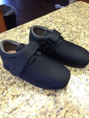 Orthopedic shoes for bunion surgery. You will be so happy you have these shoes! for Sale in Sun City, AZ