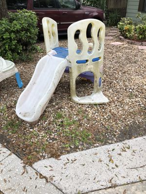 Free kids toys outside for Sale in Thonotosassa, FL