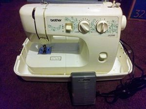 Brother LS2350 Sewing Machine w/ Case for Sale in Jurupa Valley, CA