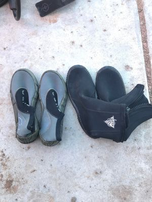 2 pairs scuba dive booties size 6/S for Sale in Mesa, AZ
