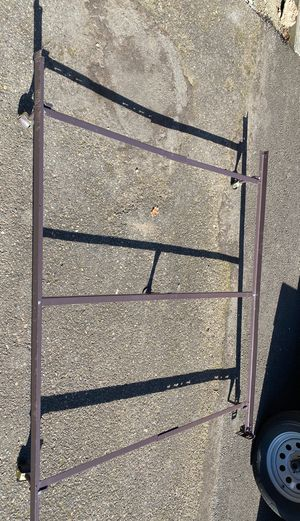 Free bed queen size frame for Sale in Portland, OR
